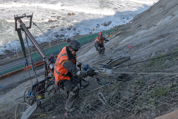 rope access workers in Kaikoura